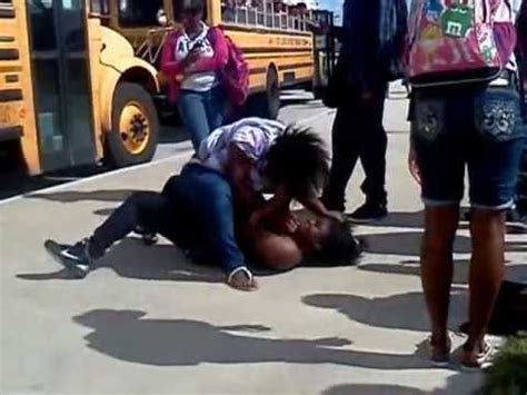 2 moyas fighting at the bus loading zone (fort pierce
