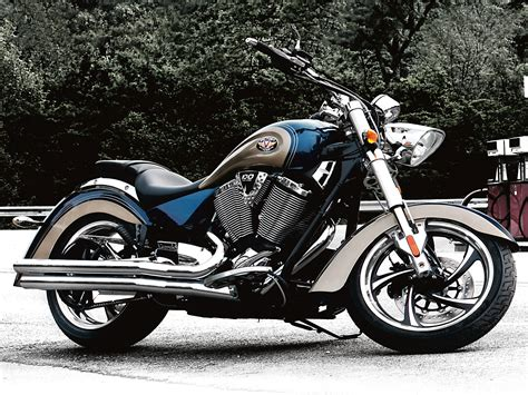 2010 Victory Kingpin   Top Speed