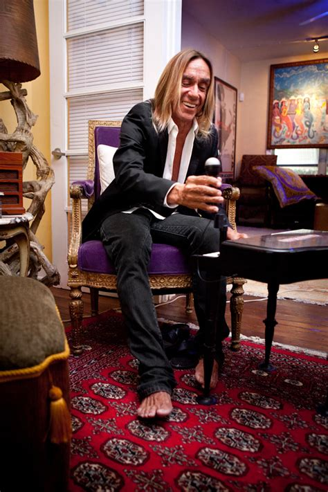 Iggy Pop and his chairs | My Friend's House