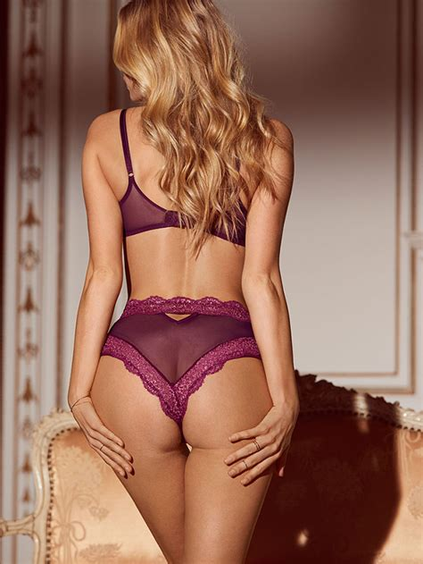 Too much passion - Elsa Hosk in tiny Lingeries for