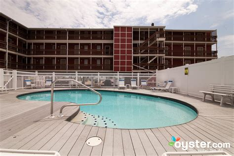 Surf Club Oceanfront Hotel & Beach House Review: What To